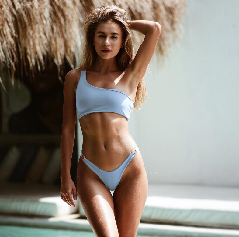 Голубой купальник-0