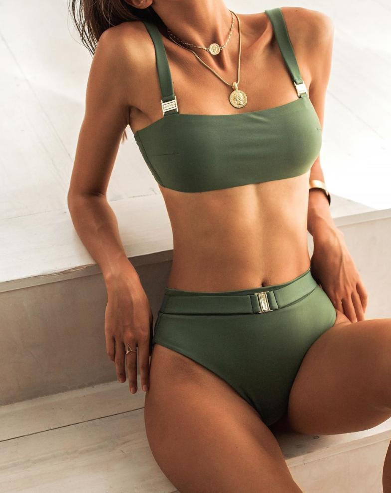 Зеленый купальник-0