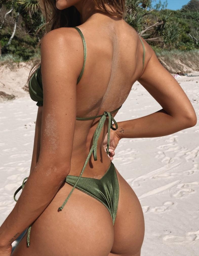 Зеленый купальник-1
