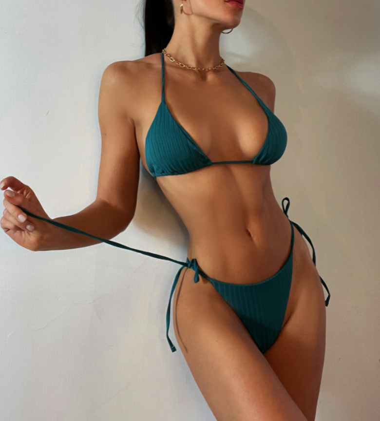 Зеленый купальник-3