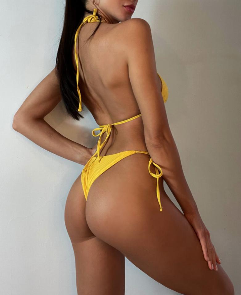 Желтый купальник-2